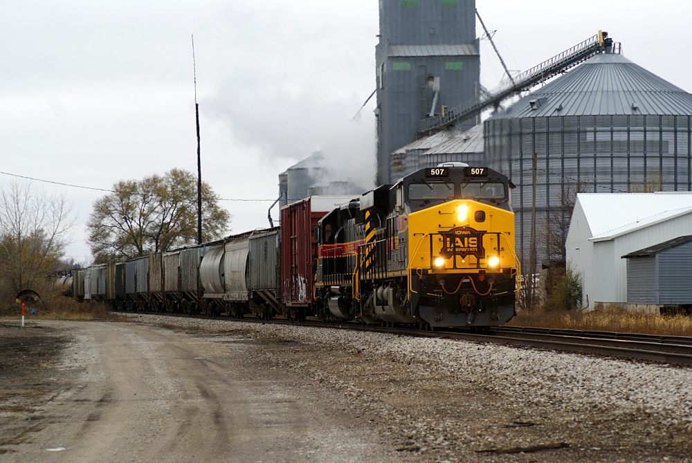 501 and SD38-2 156 slows to make a crew swap at Marengo.