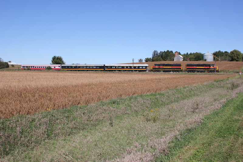 EB passenger extra at mp215 east of Atalissa, Sept. 27, 2016.