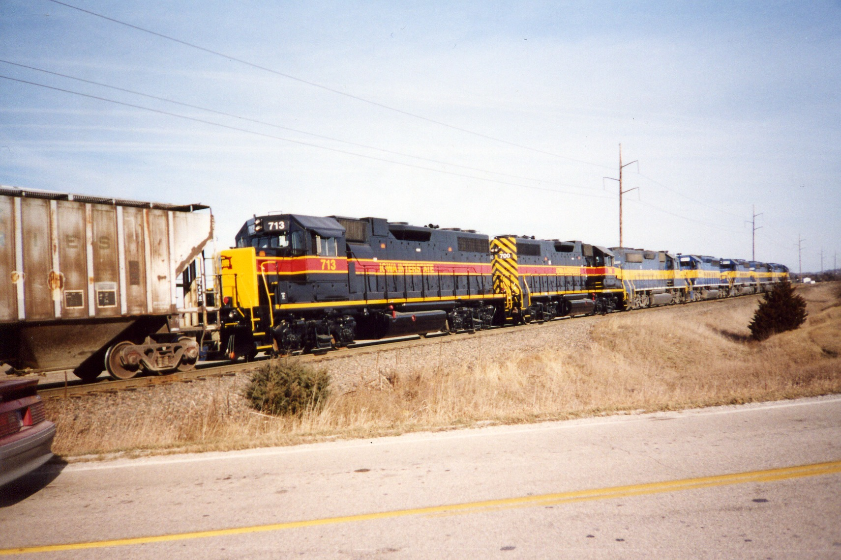 IAIS 700/713 on IC&E at Muscatine, en route to delivery to IAIS at Davenport