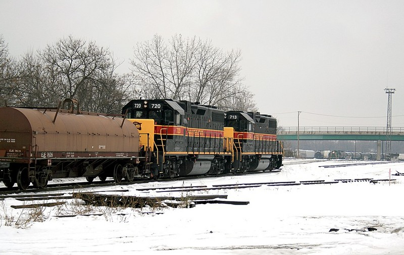 IAIS 713 & 720 Back into the EJ&E Joliet Yard returning coil cars