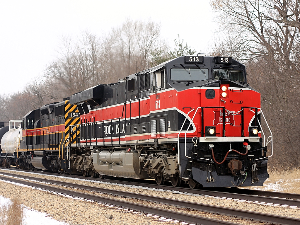 IAIS 513 & 154 head east out of Joliet