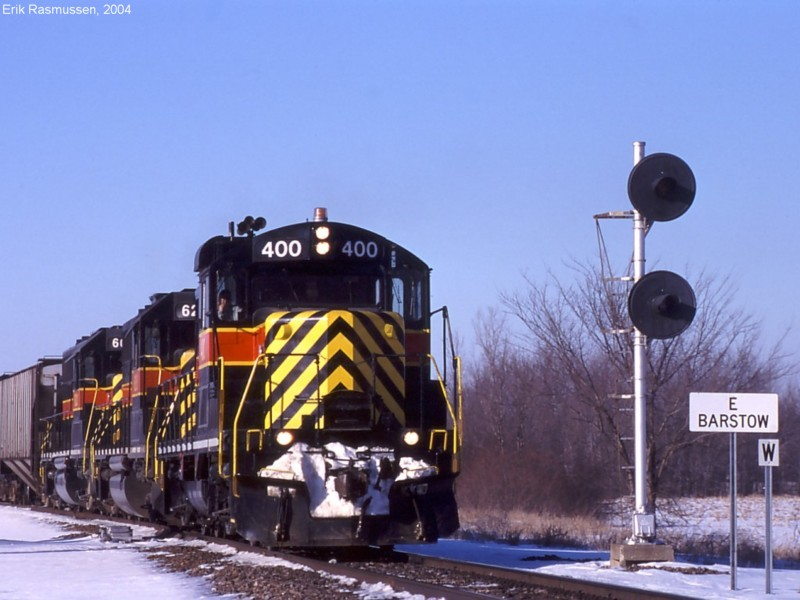 IAIS 400 East with CRPE-11 at Barstow on 11-Feb-2004.
