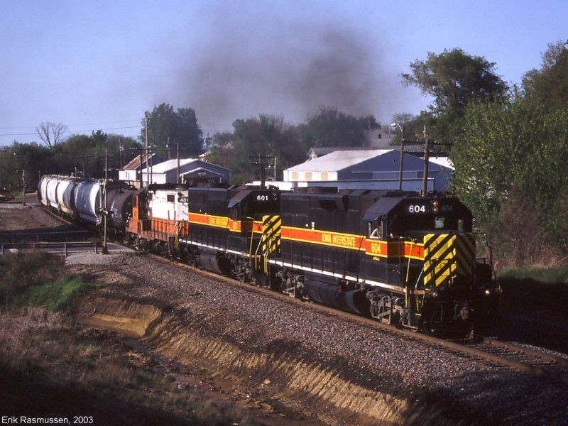 IAIS 604 East with RIBI-09 at Orion, IL on 9-May-2003.