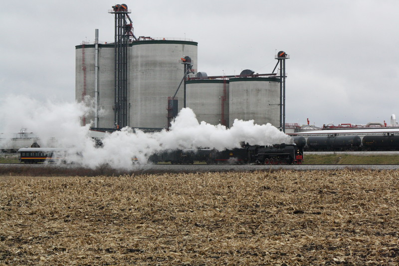 Steam Special going past the Menlo Ethanol Plant. 11-13-10