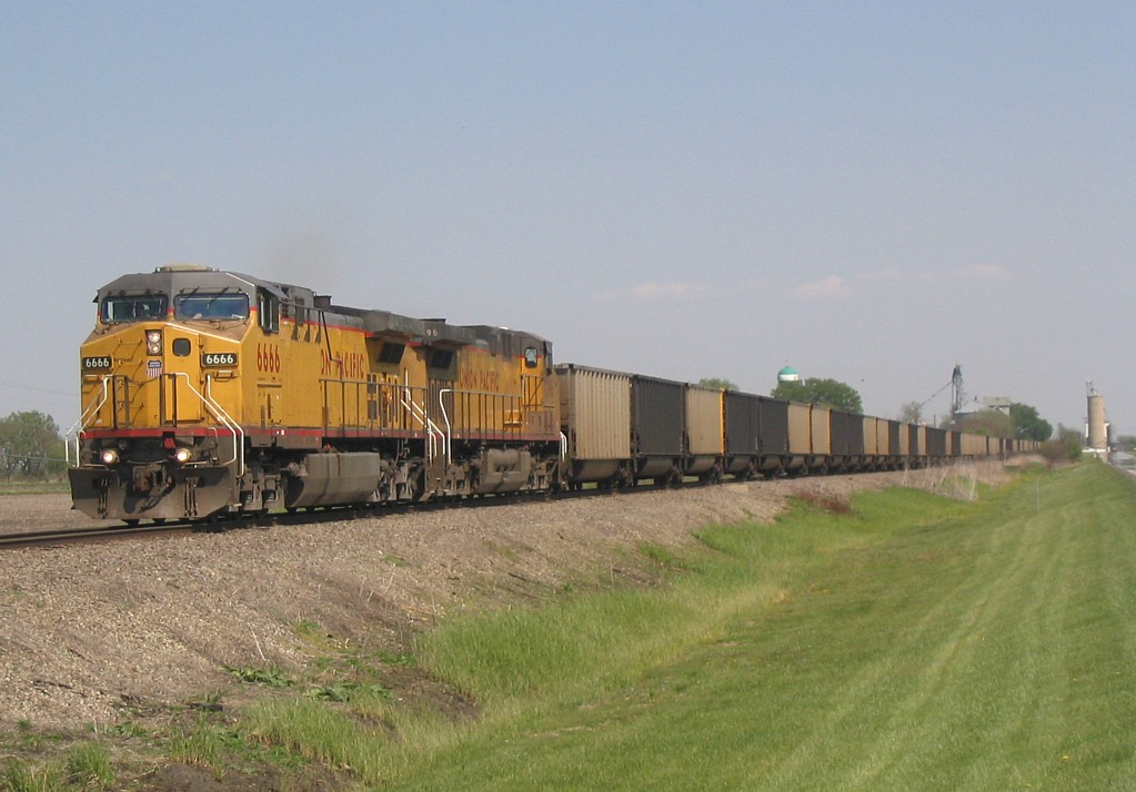 UP 6666 West, CPWNA-04, departs Mineral, IL on 5/5/05.