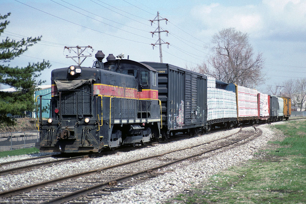 IAIS 250 with RISW-16 @ 13th Ave; Rock Island, IL.  April 16, 2001.