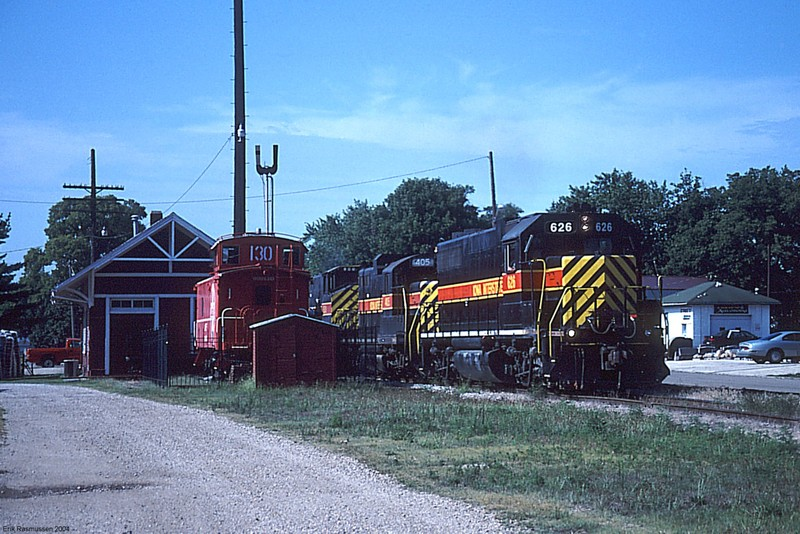 IAIS 626 on PERI-11 @ Chillicothe, IL.  August 11, 2001.