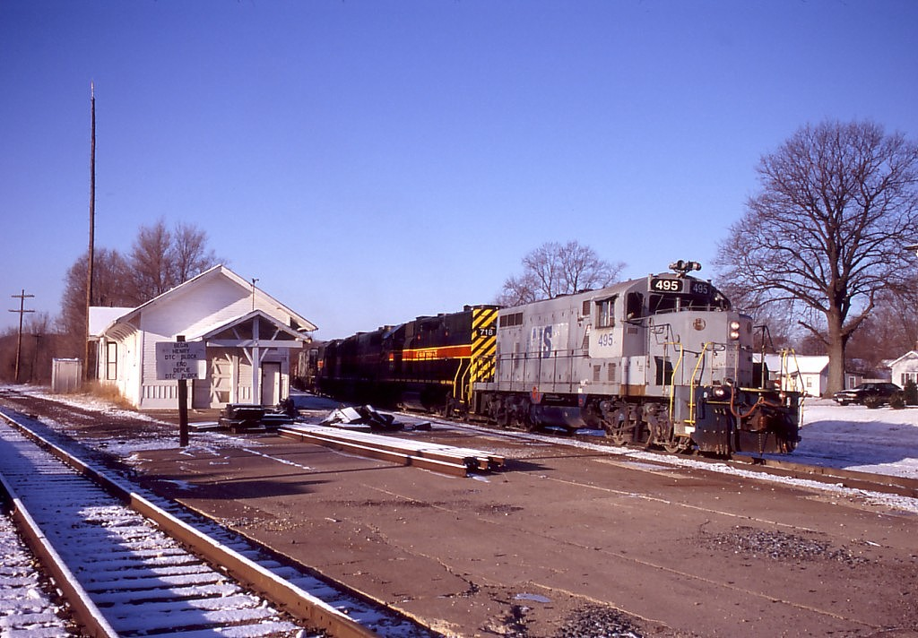 IAIS 495 with CBBI-12 @ Bureau, IL.  January 14, 2005.