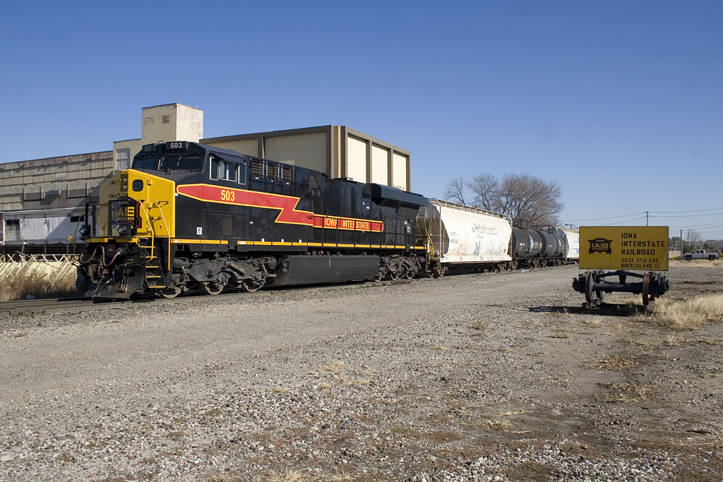 CBBI-02's DPU @ 44th St; Rock Island, IL.  November 3, 2010.