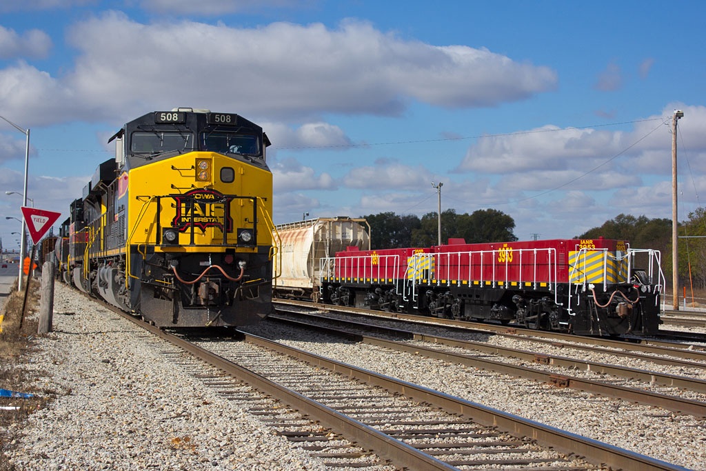 CBBI-28 @ Rock Island, IL passing new IANR slugs, 3953 & 3951.  October 29, 2014