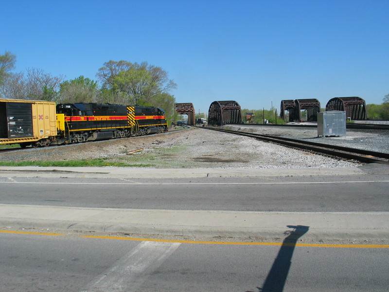 BISW on the Chessie/Metra connecting track at Blue Island.  April 26, 2006.
