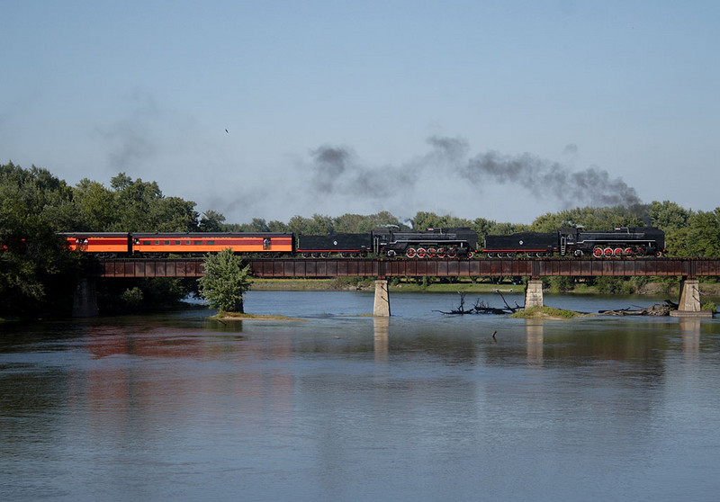 Eastbound crossing the Cedar River in Moscow, IA.