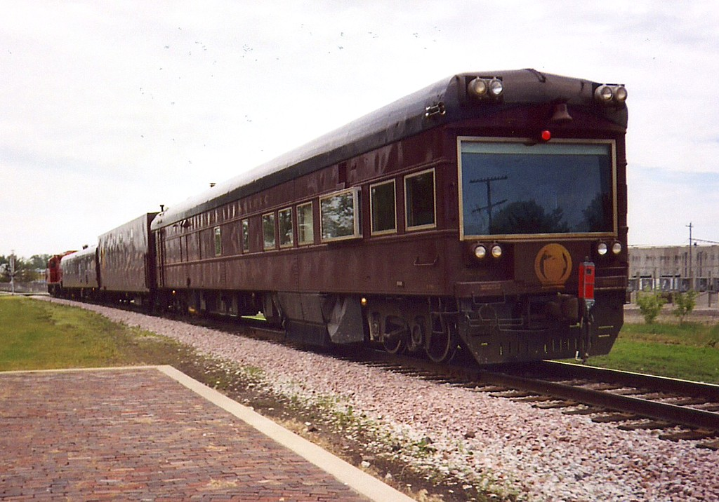 The Geometry Train heads east to Davenport to be interchanged back to the IC&E at West Liberty, IA on 9-June-2005.