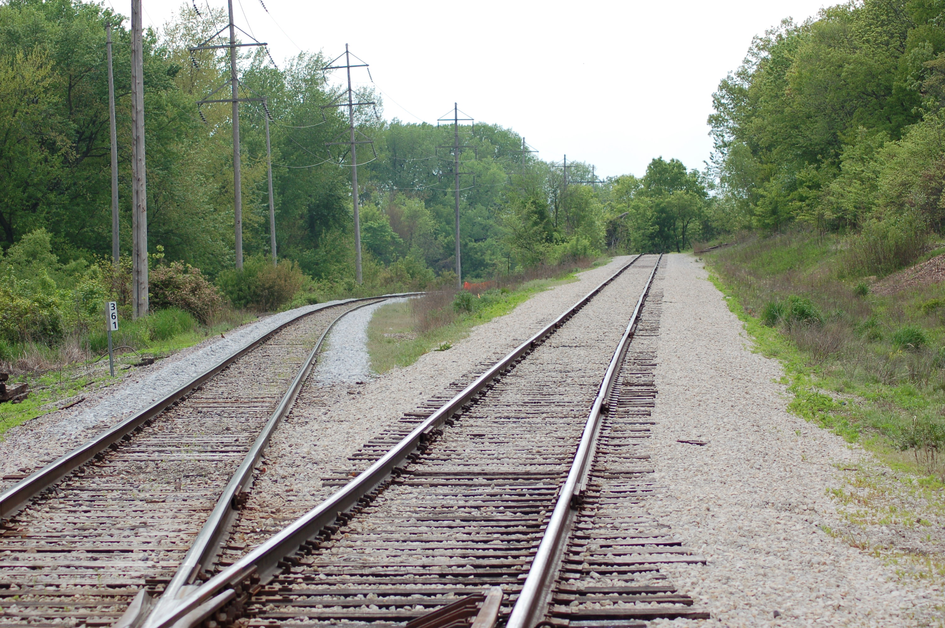 Beginning of the Grimes Branch in Des Moines.  Note the new ballast on the main to the left.