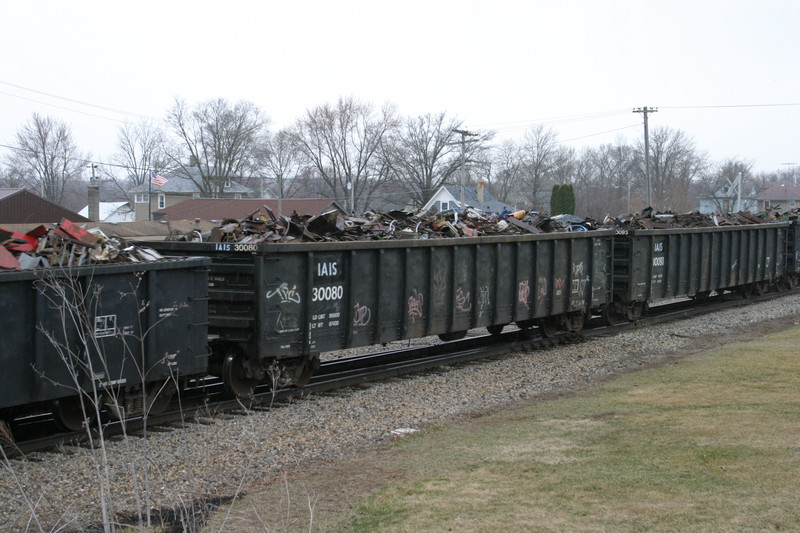 IAIS 30080 at Ladora, IA, on 18-Mar-2005