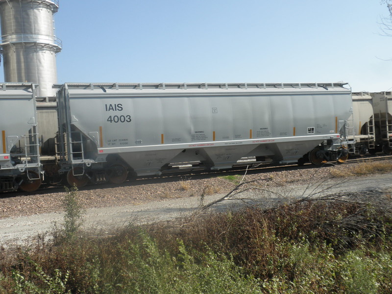 IAIS 4003 on BNSF at Council Bluffs, IA, on 28 Oct 2012, just prior to initial delivery to the IAIS.
