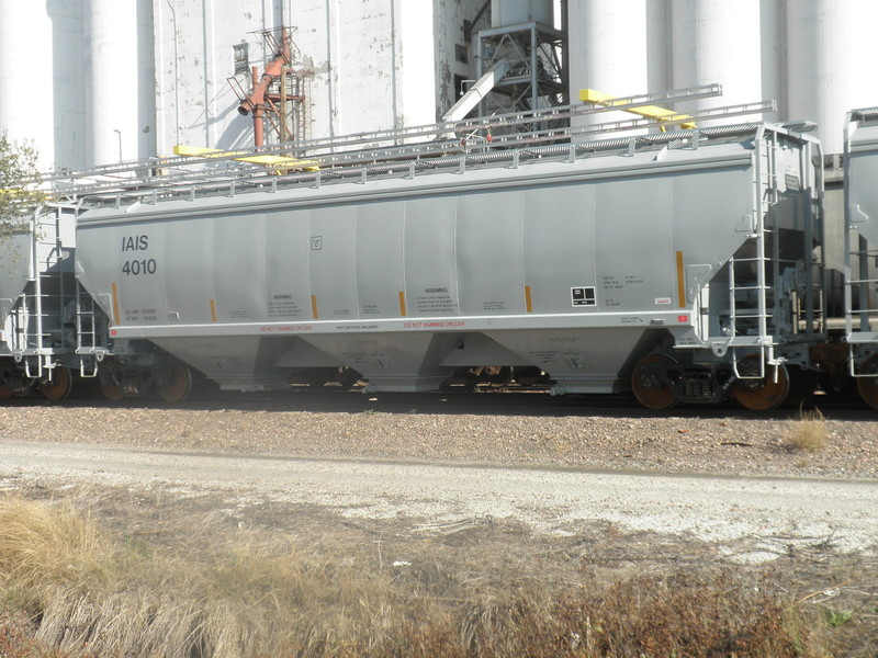 IAIS 4010 on BNSF at Council Bluffs, IA, on 28 Oct 2012, just prior to initial delivery to the IAIS.