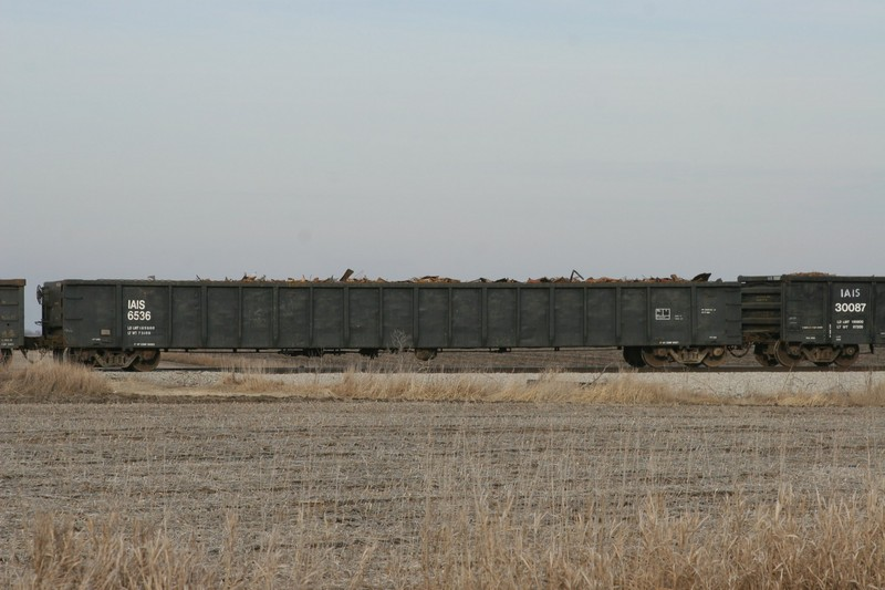 IAIS 6536 on CBBI at Walcott, IA, on 28-Dec-2006
