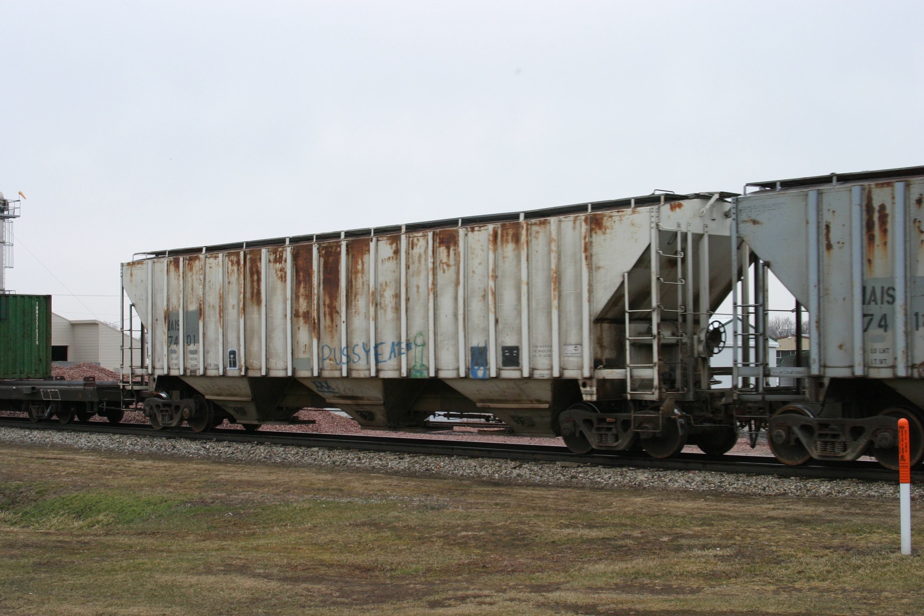 IAIS 7401 at Victor, IA, on 18-Mar-2005