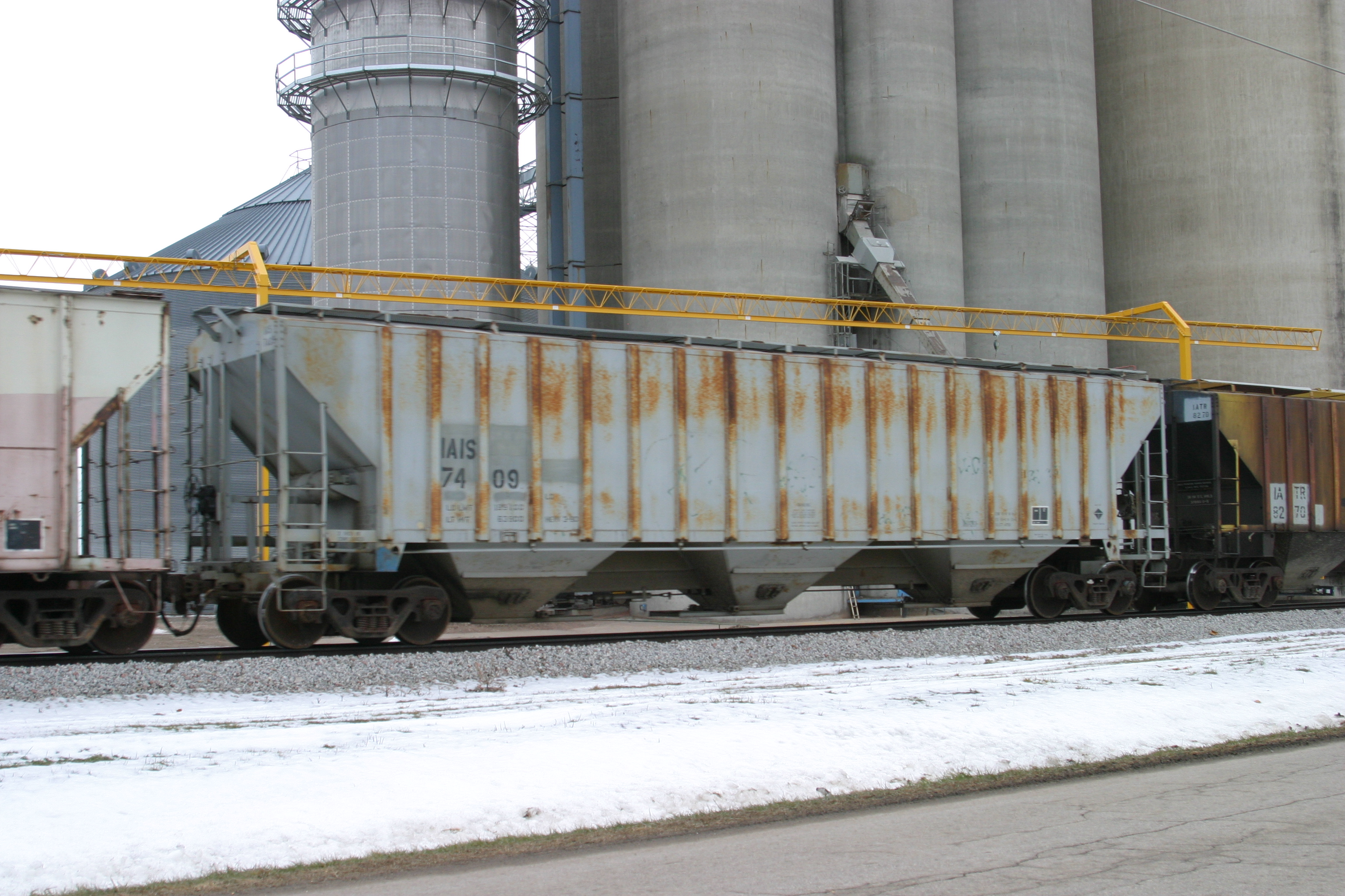 IAIS 7409 at Kellogg, IA, on 30-Dec-2005