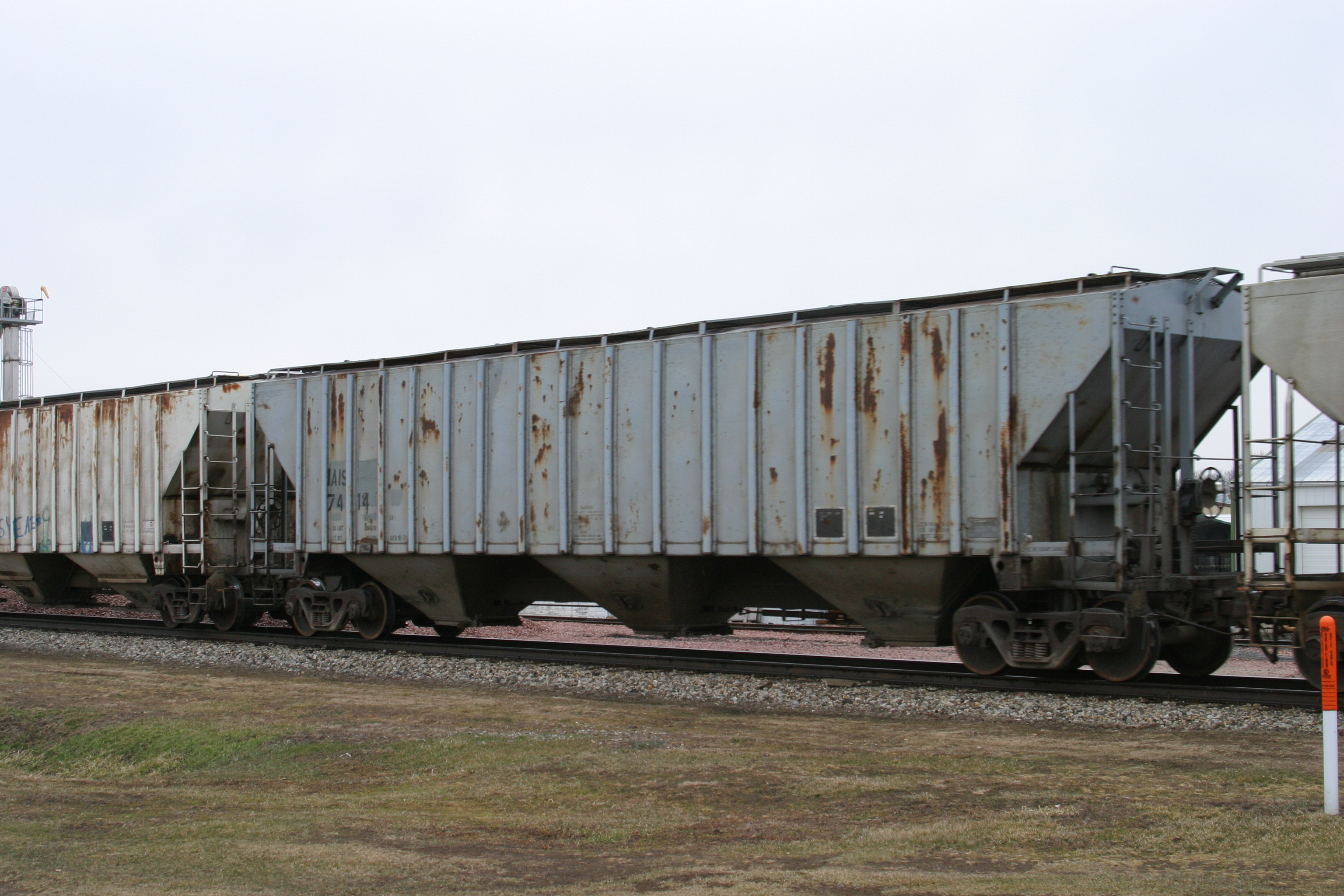 IAIS 7414 at Victor, IA, on 18-Mar-2005