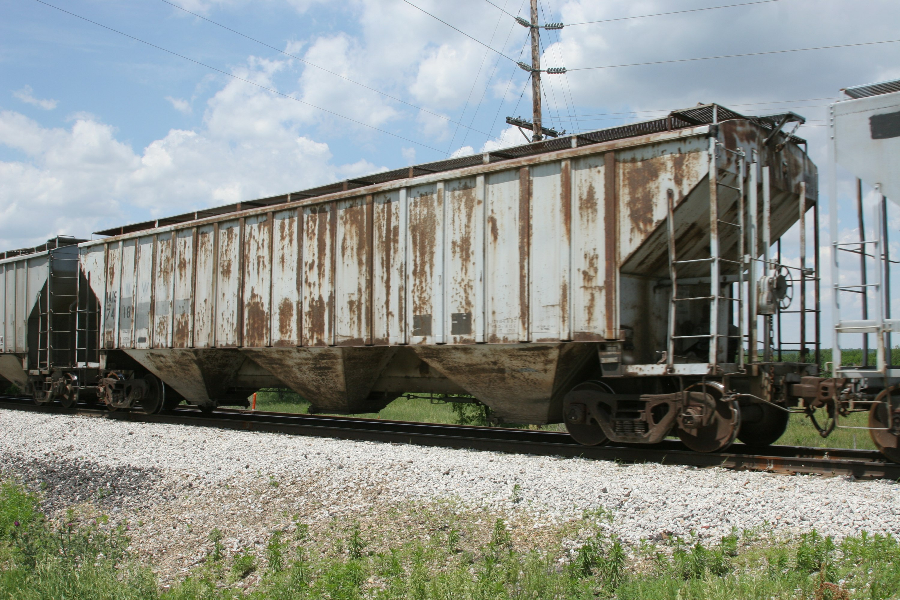 IAIS 7418 in Marengo, IA, on 1-Jun-2006