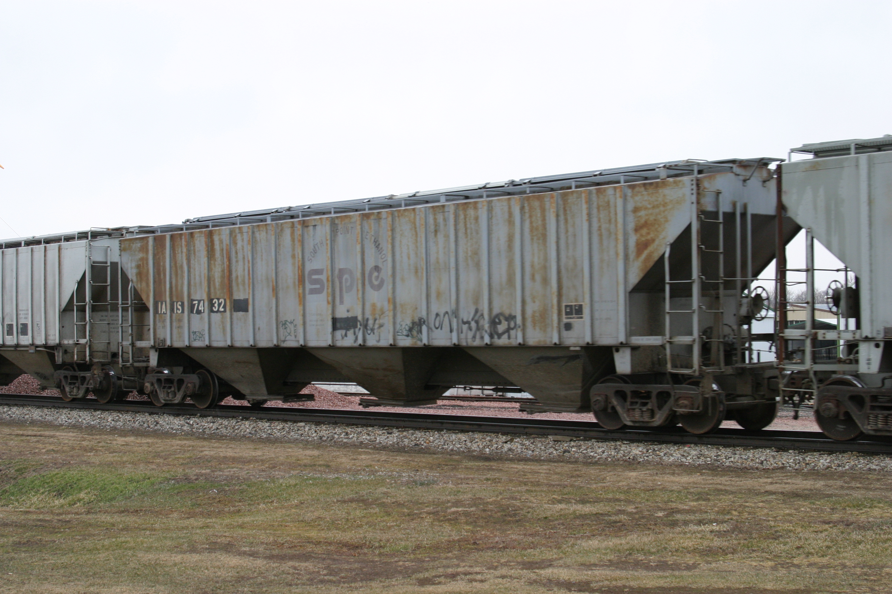 IAIS 7432 at Victor, IA, on 18-Mar-2005