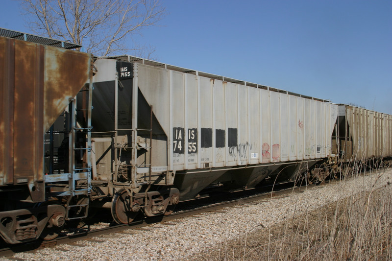IAIS 7455 at Homestead, IA, on 16-Mar-2005