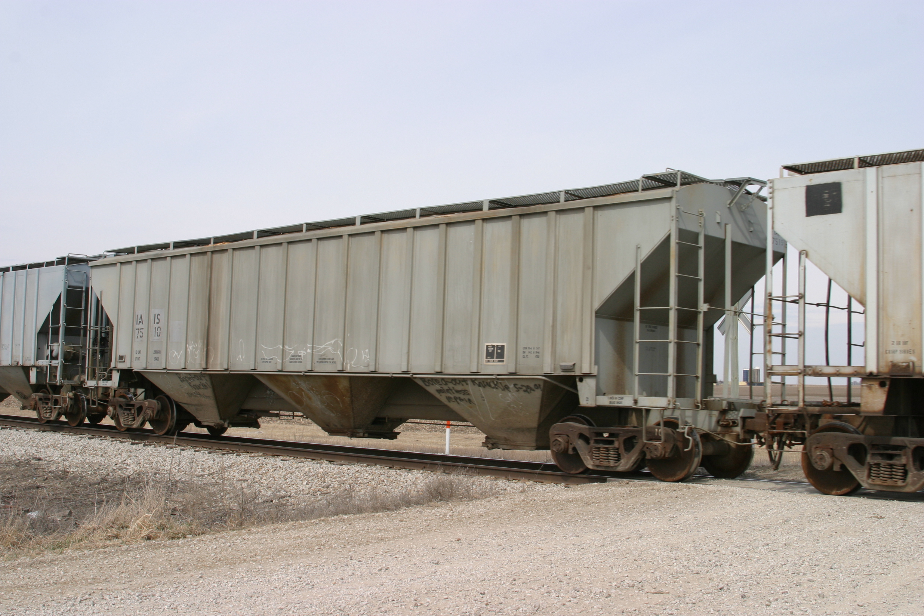 IAIS 7510 at Walcott, IA, on 18-Mar-2005