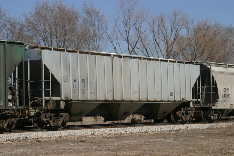 IAIS 7511 at Wilton, IA, on 16-Mar-2005