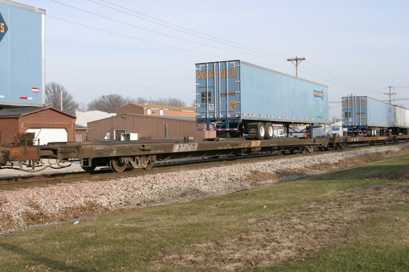 ex-IAIS 902164 (now HS 903164) at Durant, IA, on 29-Dec-2004