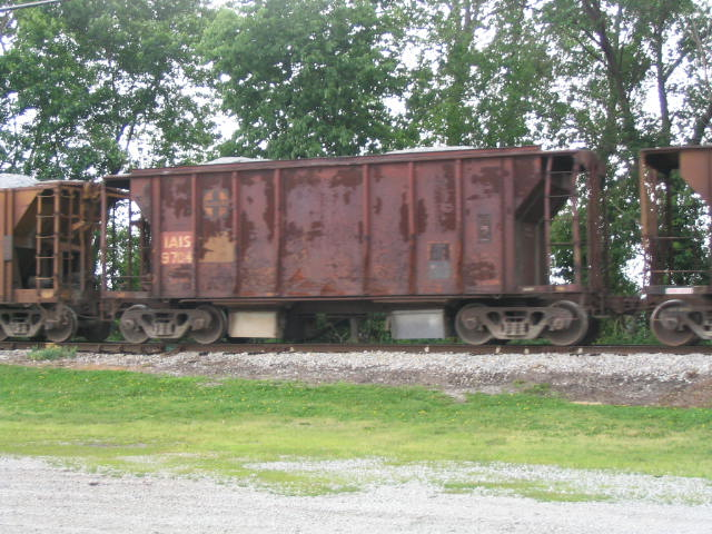 IAIS 9704 in Milan, IL on 6/3/03