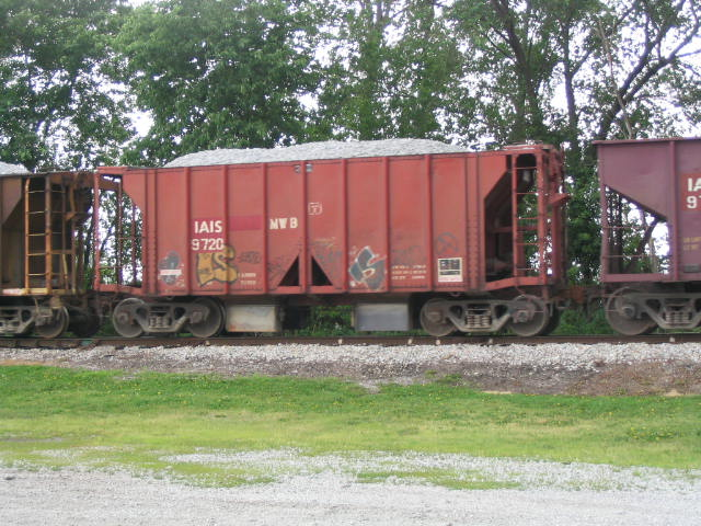 IAIS 9720 in Milan, IL on 6/3/03.