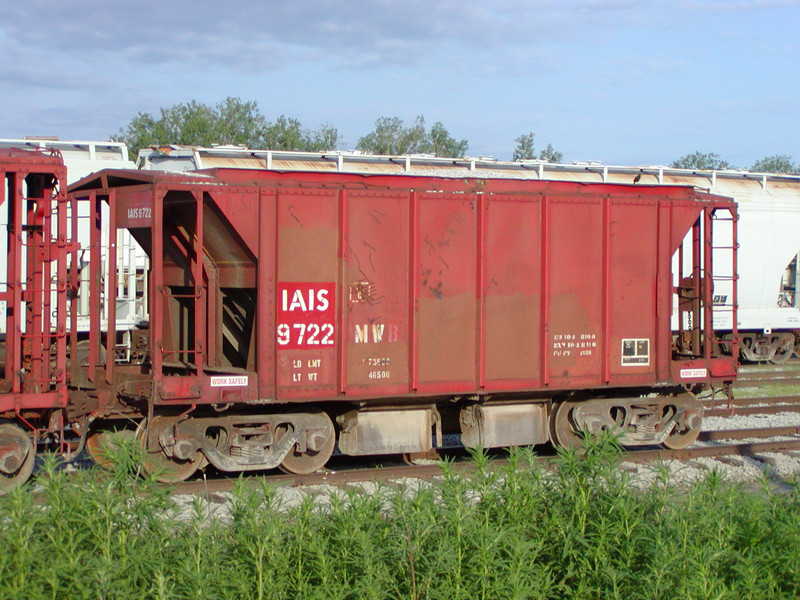 IAIS 9722 at Council Bluffs, IA, on 20-Jun-2001