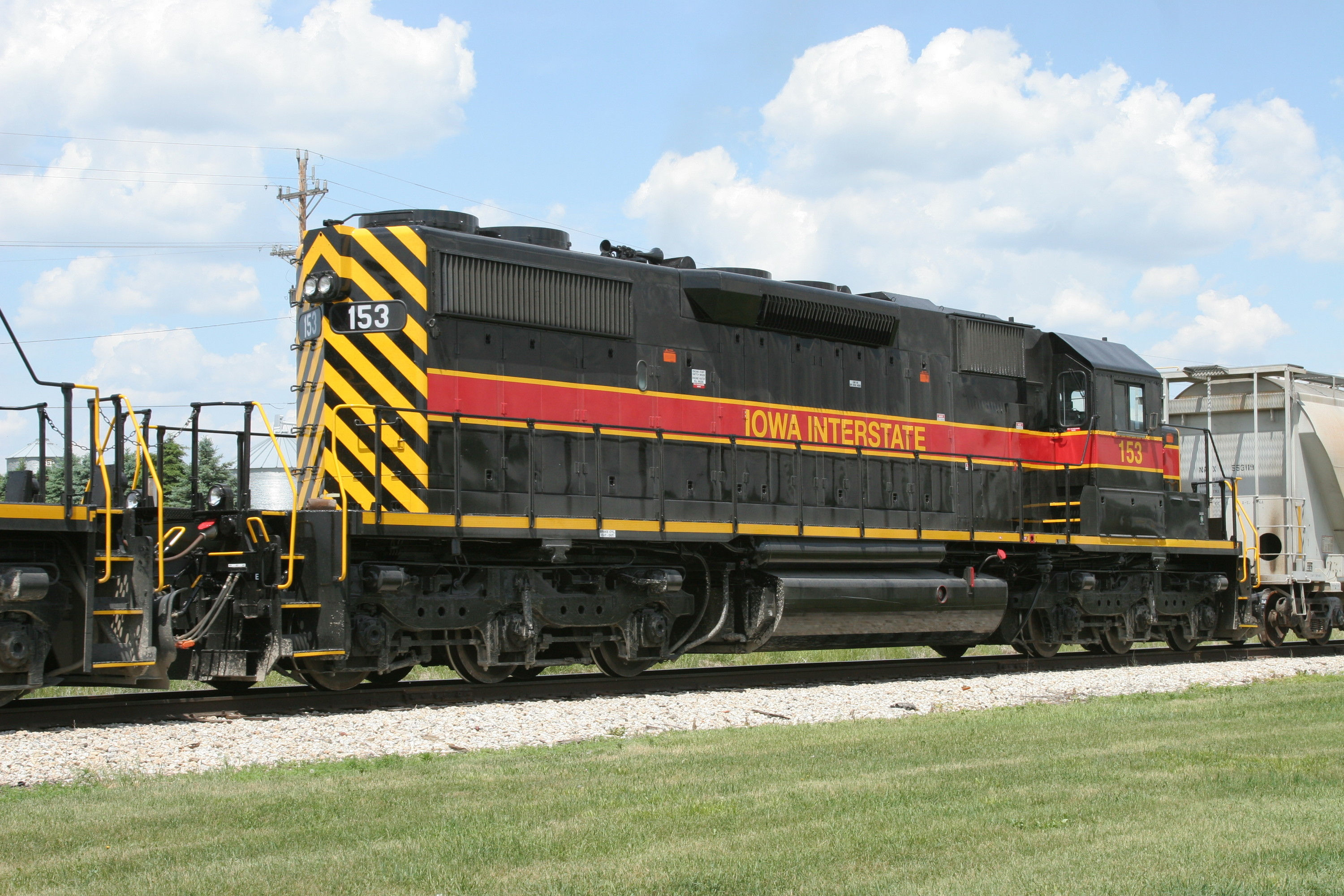 IAIS 153 at Walford, IA on 01-Jun-2006