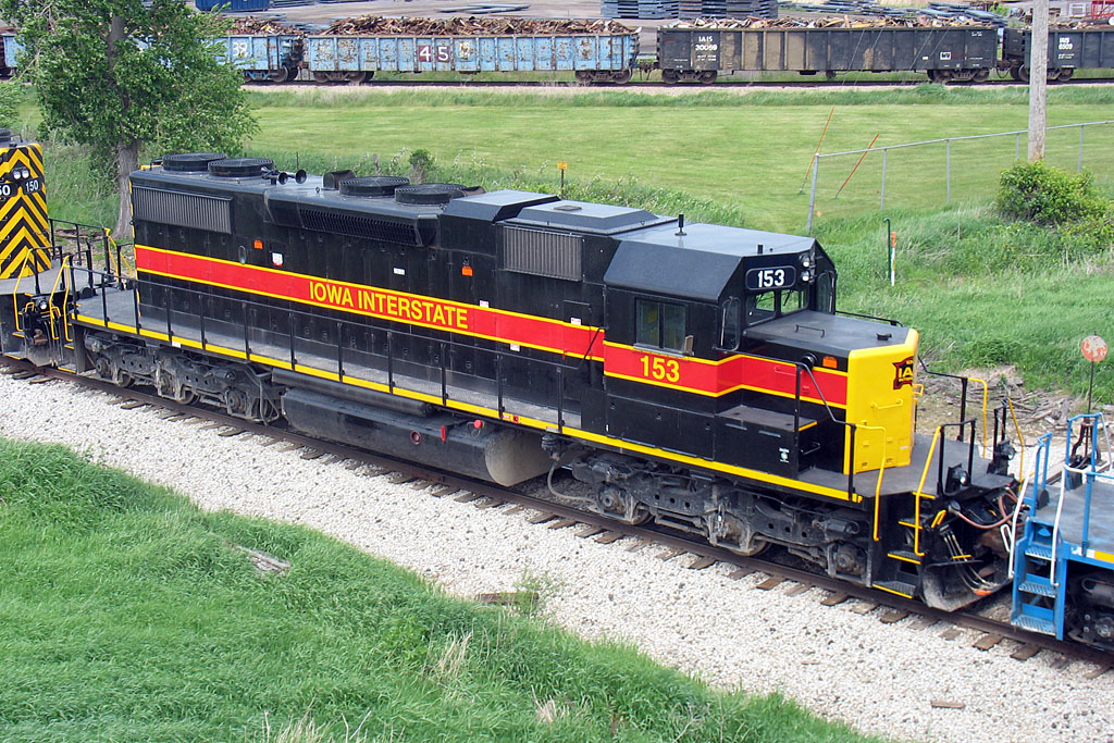 Roster of IAIS 153 in Wilton, IA on 22-May-2007.