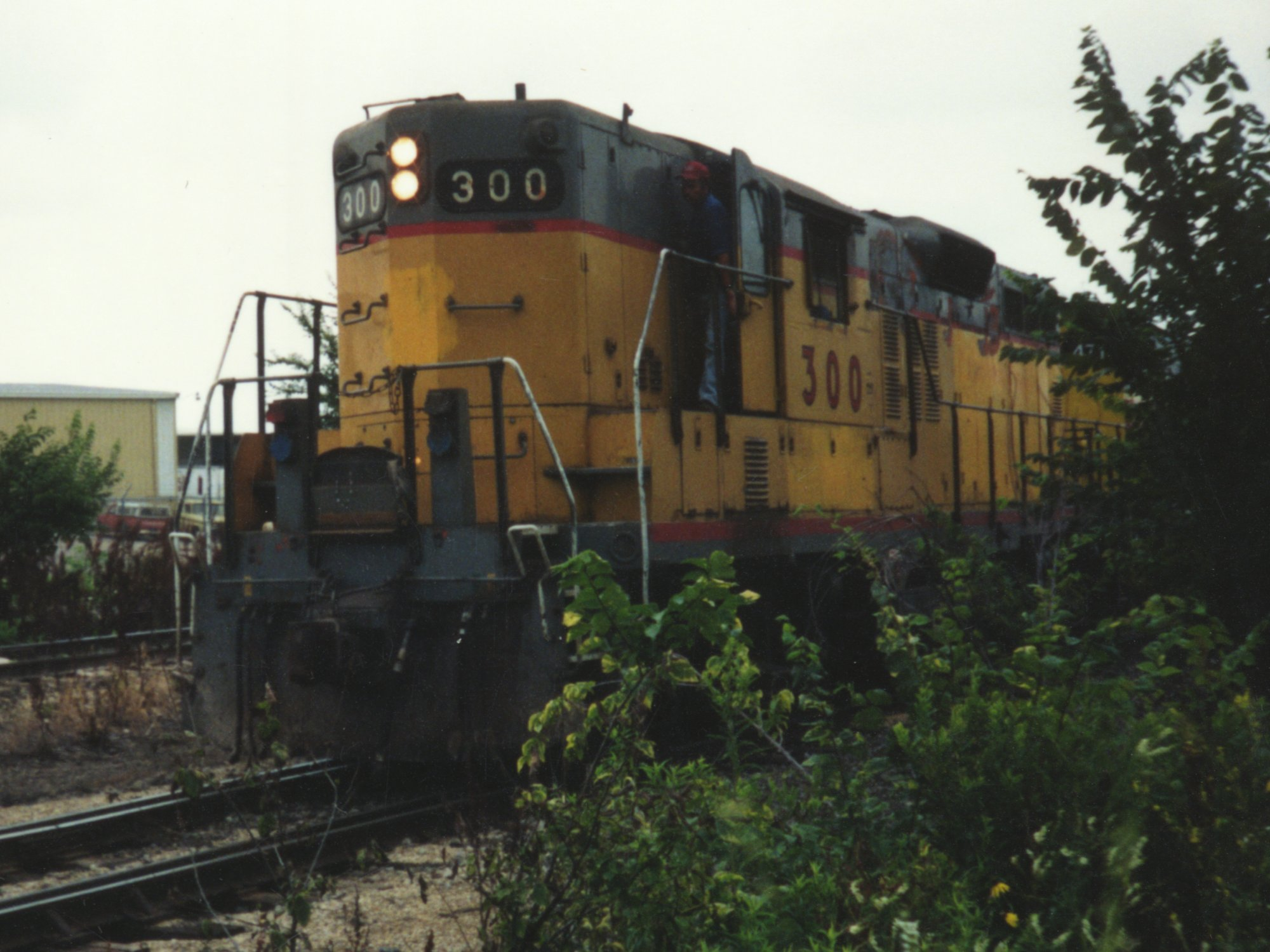 IAIS 300 at Altoona, IA on 01-Jul-1992