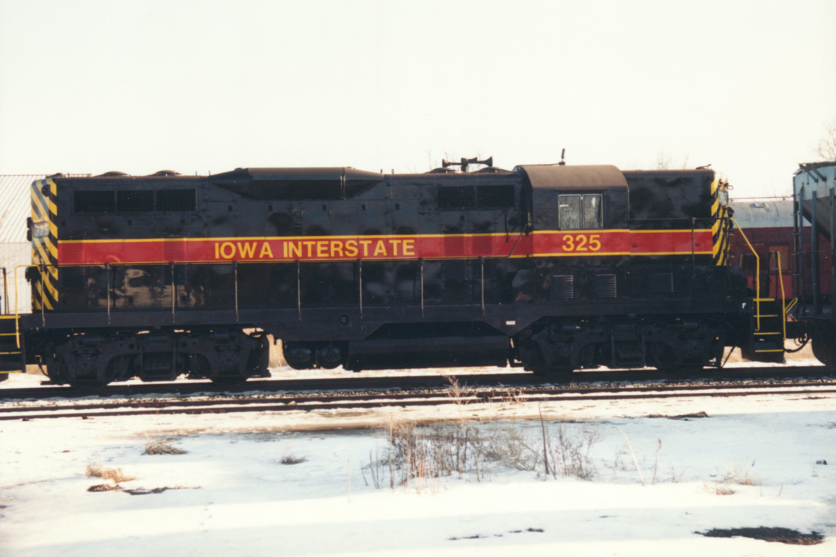 IAIS 325 at Altoona, IA on 15-Feb-1994