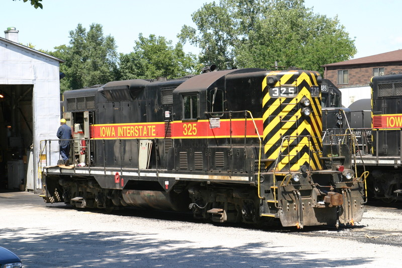 IAIS 325 in Iowa City, IA, on 9 Aug 2004