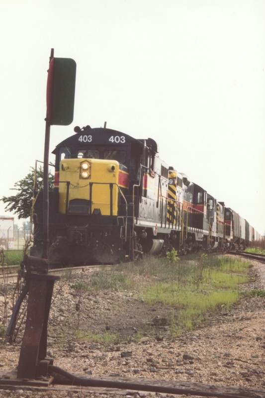 IAIS 403 at Altoona, IA on 01-Aug-1993