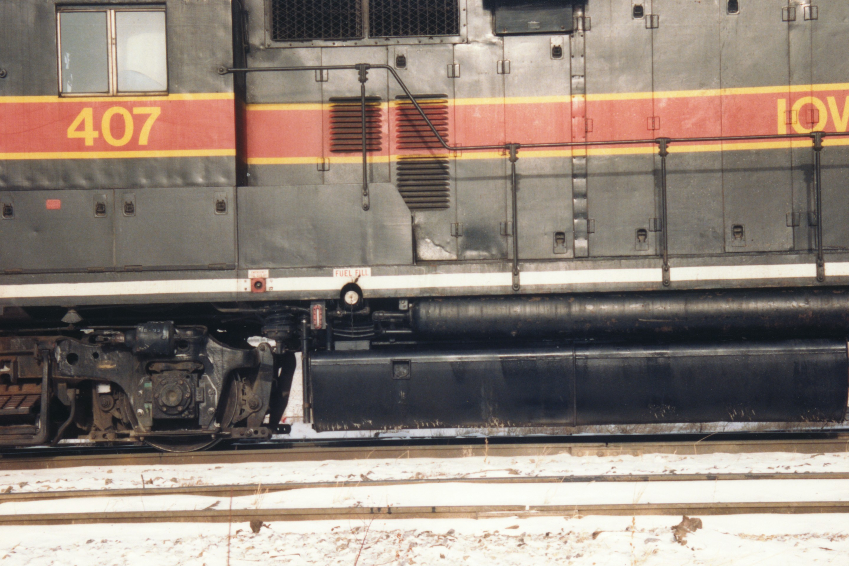 IAIS 407 at Altoona, IA on 29-Dec-1993