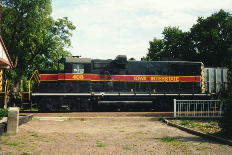 IAIS 408 at Newton, IA on 01-Aug-1992