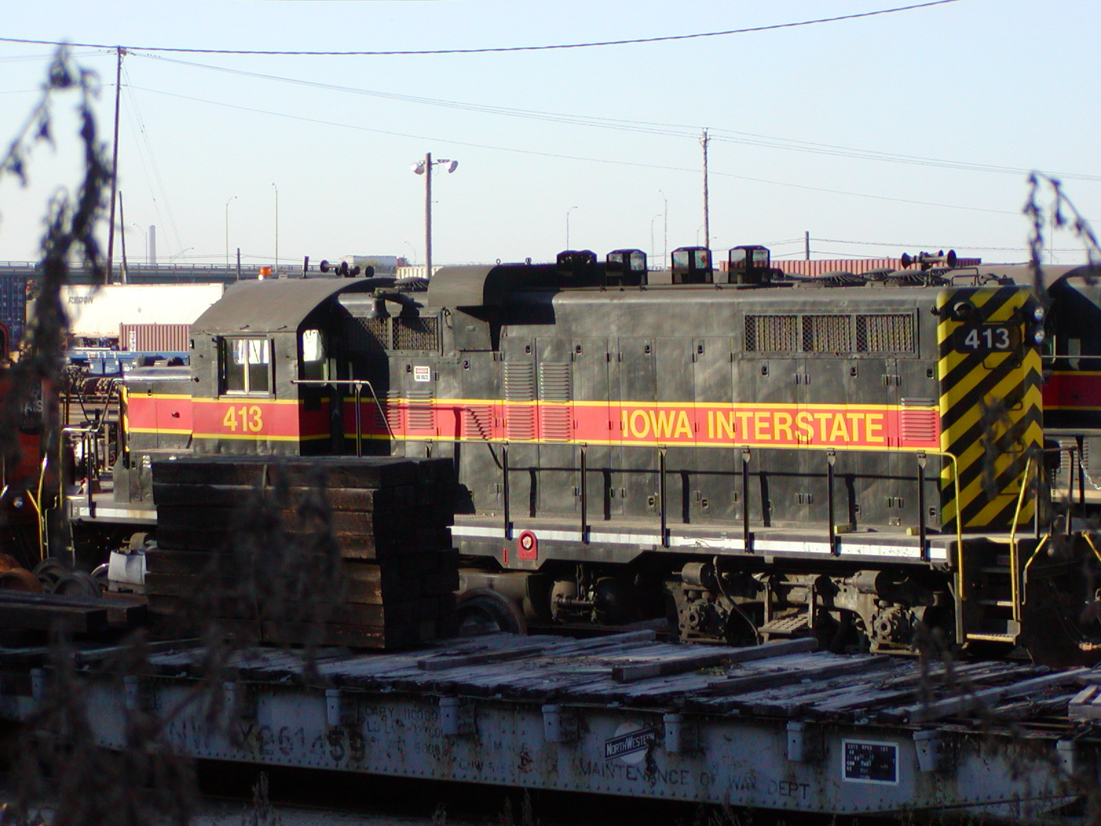 IAIS 413 at Council Bluffs, IA on 02-Oct-2001