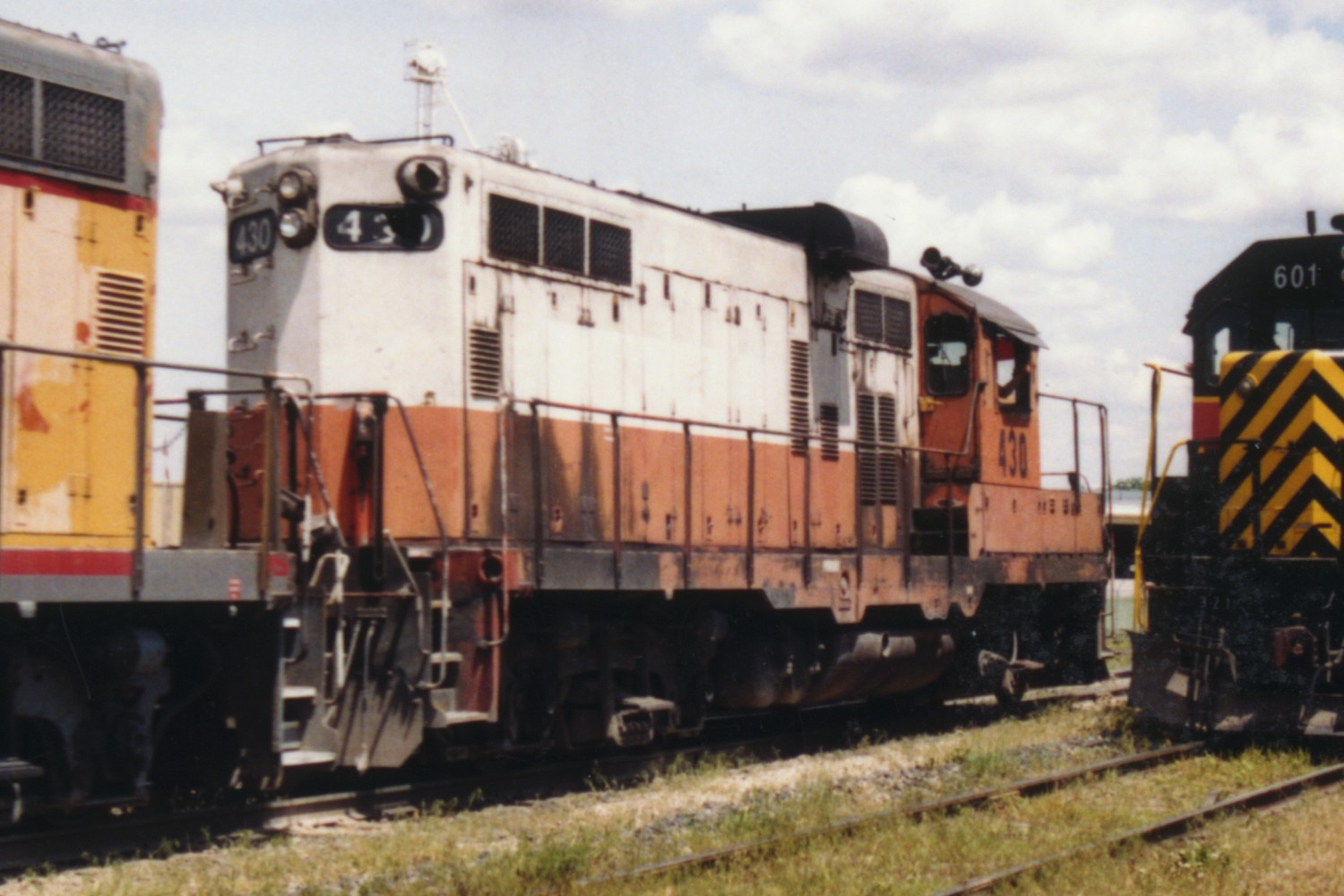 IAIS 430 at Altoona, IA on 10-Jun-1993