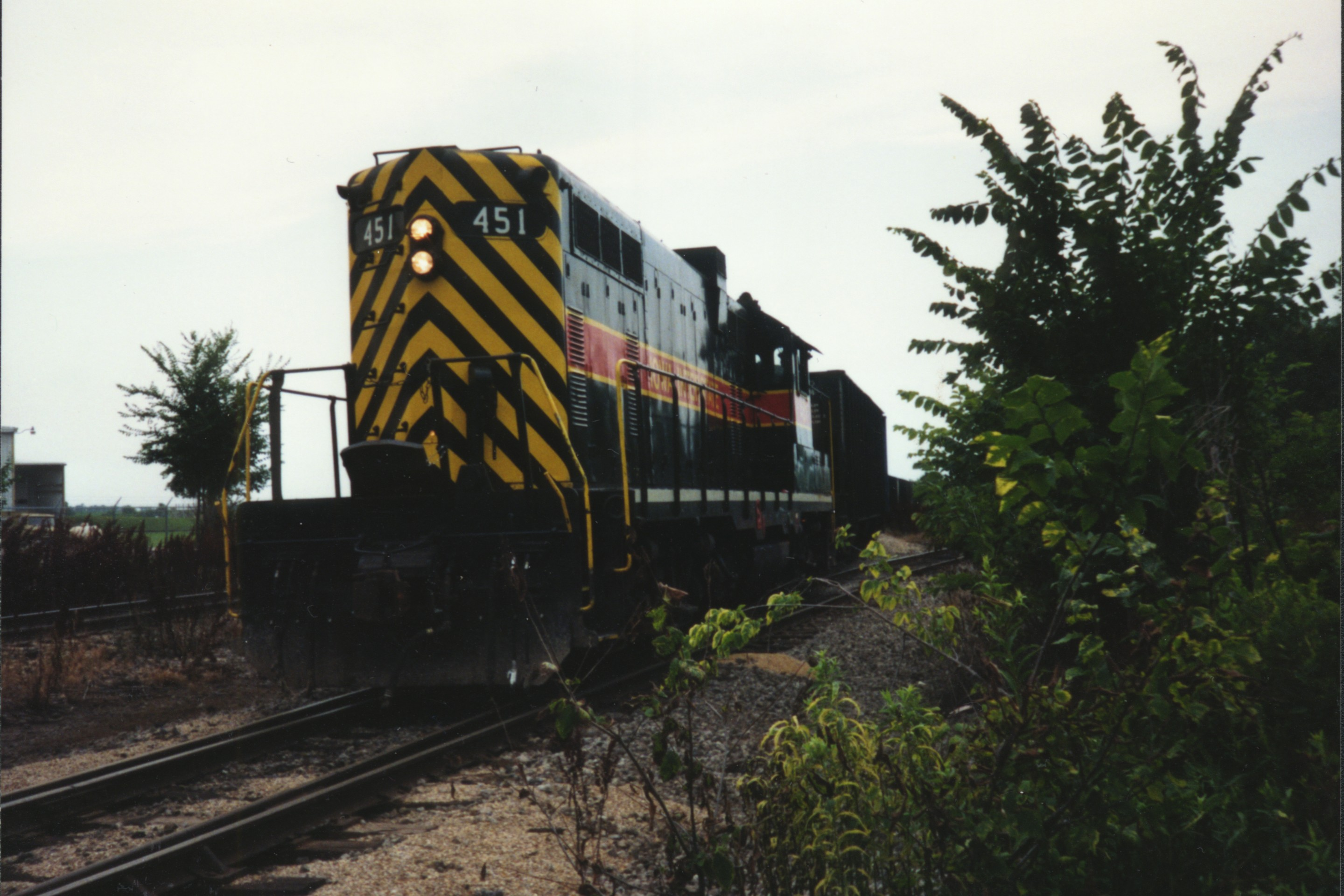 IAIS 451 at Altoona, IA on 01-Jul-1992
