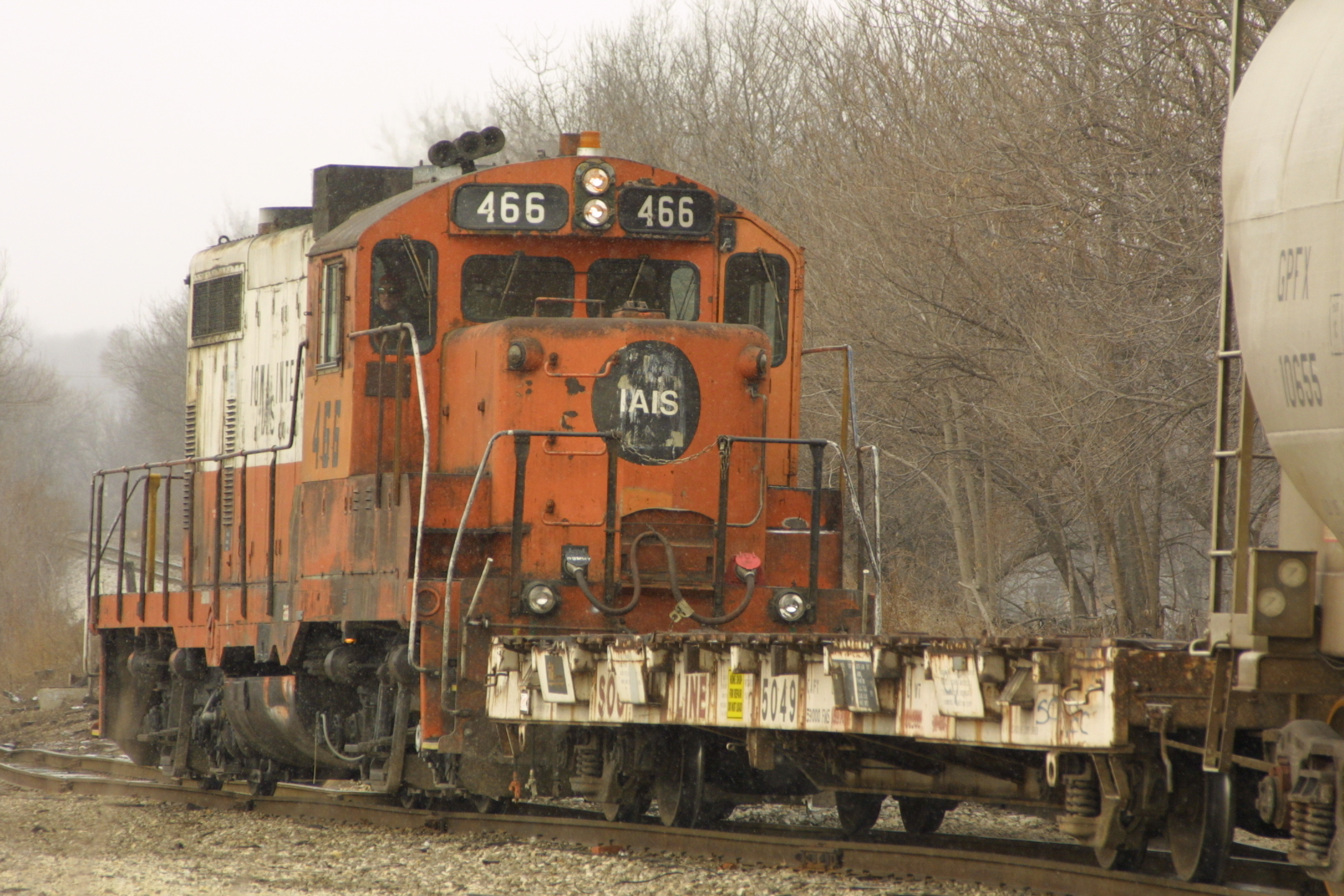 IAIS 466 at Davenport, IA on 26-Dec-2001