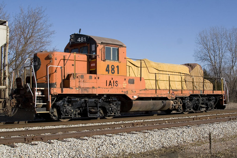 IAIS 481 Conductor side front. West Liberty, IA. 5-Dec-2009.