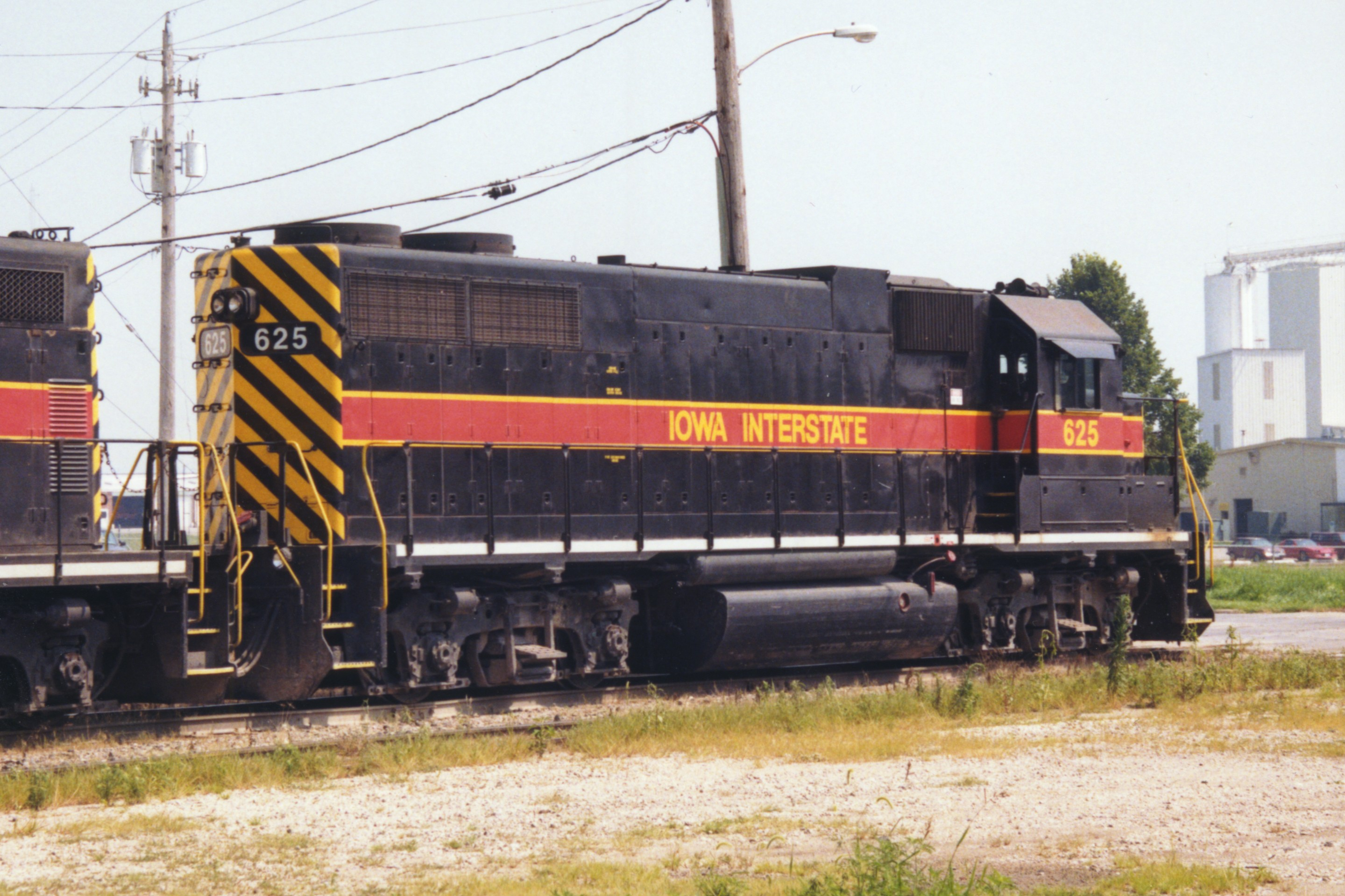 IAIS 625 at Altoona, IA on 13-Jul-1998