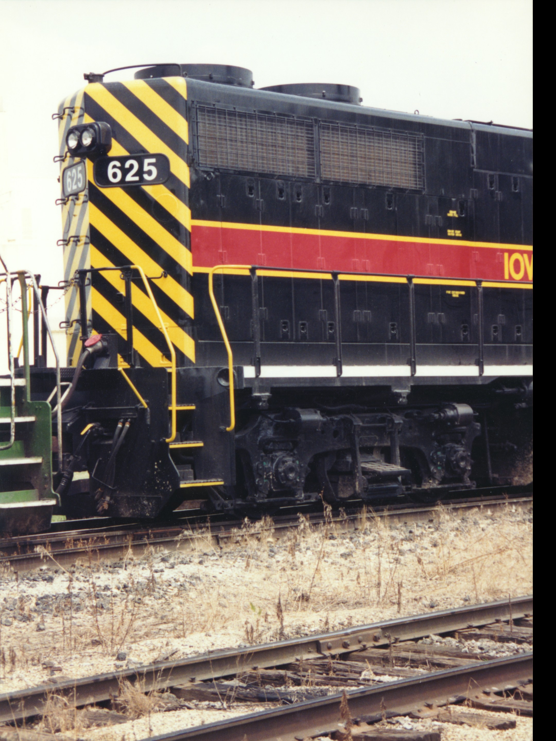 IAIS 625 at Altoona, IA on 02-Aug-1994
