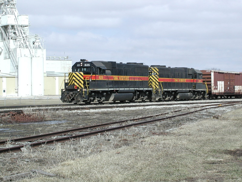 IAIS 627 at Altoona, IA on 25-Mar-2001